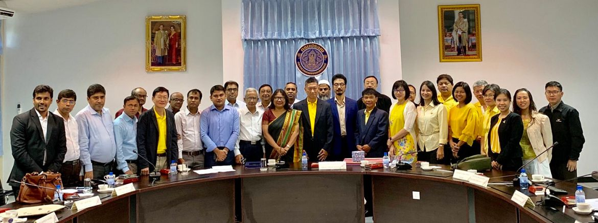 Bangladesh Fisheries Officers meeting with the Thailand Department of Fisheries.