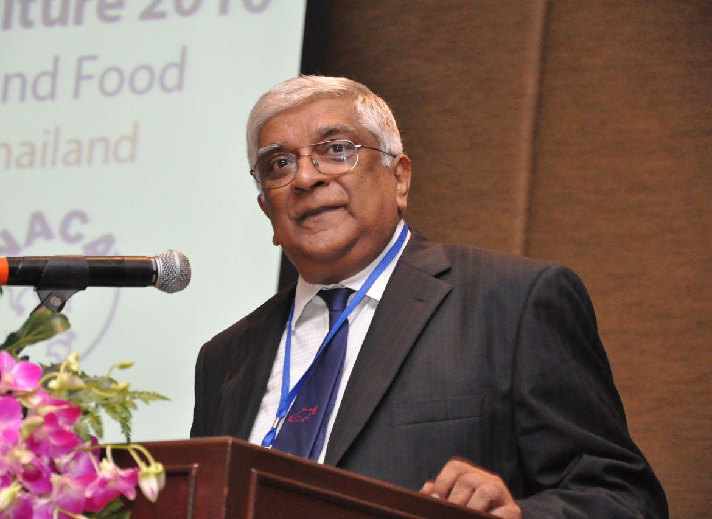 Prof. Sena De Silva presenting at the Global Conference on Aquaculture 2010.